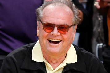 Actor Jack Nicholson attends the NBA game between the Los Angeles Lakers and the Houston Rockets in Los Angeles